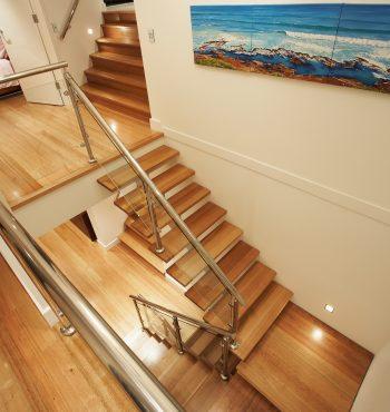 Gallery 16